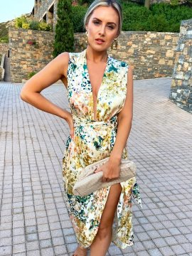 Robe Zsa Zsa Never Fully Dressed face | Location Se Casan