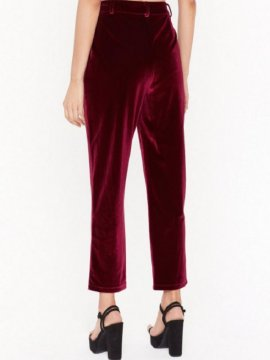 Pantalon velours bordeaux NastyGal devant | Location Se Casan