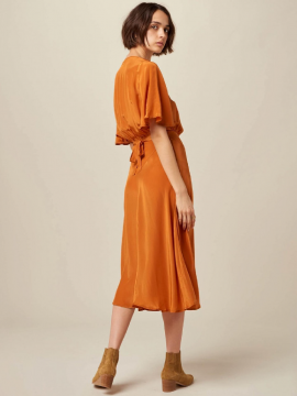 Robe Michelle Sessun orange face plein pieds | Location Se Casan